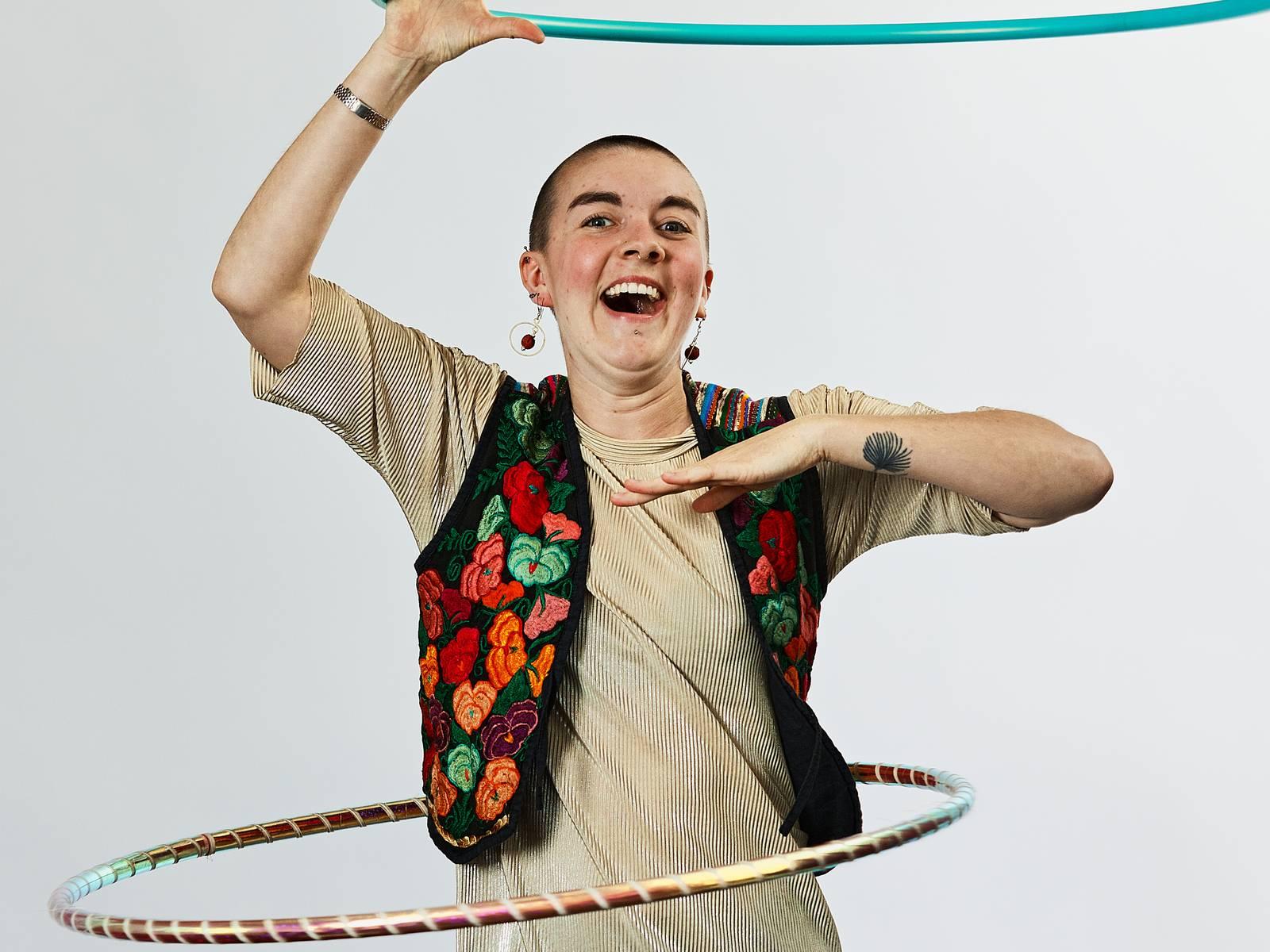 Alice hula-hooping